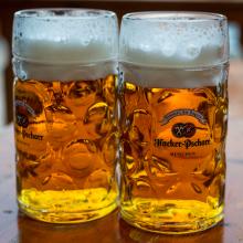 Bierpul Maß Hacker-Pschorr Oktoberfest Reizen