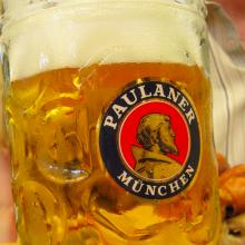 Bierpul Maß Paulaner Oktoberfest Reis