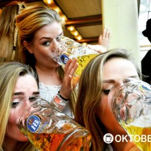 Oktoberfest reis 2015 hot girls