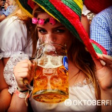 Oktoberfest reis 2015 sexy girl